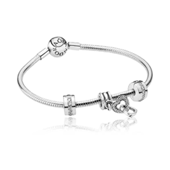 Picture of SILVER CHAIN BRACELET AND SIGNATURE DANGLE CHARM - 154696